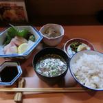 美魚味 - 刺身定食(1080円)