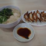 56246401 - 餃子と鶏ラーメン(豚骨)