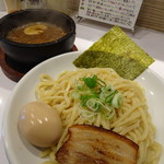 しゃにむに - 香辛つけ麺・味玉(900円)