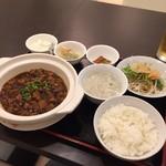 56249607 - 麻婆豆腐セット900円也。