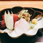 日本料理 太月 - アップ 鰹、鯛 大葉、茗荷、はす芋添え 2016-9