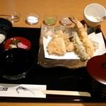 木挽町 天國 - [料理] 天ぷら御膳 (味噌汁椀 蓋を取る前) 全景♪w