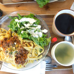 カフェ マルニ - ボロネーゼのフェットチーネ