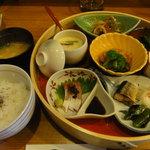 天神坂 酒亭 和らび - 特製ランチ(1,000円)天ぷらは後から出てきます。
