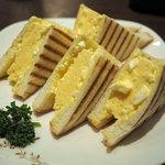 ビリオン珈琲 - 料理写真:厚焼き玉子サンド