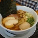 寛~くつろぎ~ - 料理写真:特製煮干しそば950円