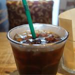 サラデリ - タップリサイズのアイスコーヒー