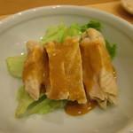 割烹 小川 - 蒸し鶏サラダ