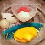肉料理と大地の恵み ひなた - デザート(マンゴー、日向夏の葛寄せ、いちじくの赤ワインコンポート、バニラアイス、梨)
