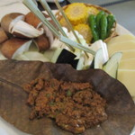 56278698 - 野菜と朴葉味噌