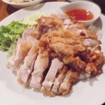 56279575 - 本日のランチメニュー「鶏の炊き込みご飯揚げ鶏添え」
