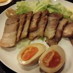 音楽酒場 六弦 - ゆで豚醤油漬け¥500