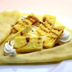クレープ工房 - 料理写真:カスタードプリンクレープ470円