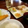 しゅんさい 鱗 - 料理写真:Bサーモンフライ(\850税込み)会津のこしひかりが抜群に美味い御代わり自由!
