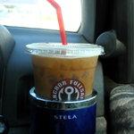 フルセイルコーヒー - こんな感じにドリンクホルダーに!