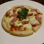 レストラン のや - ピザ  ガーリックソーセージカレー