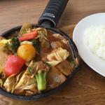 キャンプエクスプレス - 1日分の野菜カレー  990円