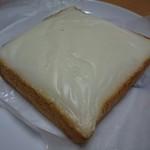 ベーカリーロミオ - クリームボックス(110円)