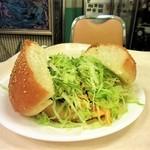 キングタコス - ジャンボタコチーズバーガー(350円)