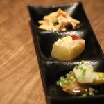 56297990 - 前菜(茄子のお浸し・鯛の煮凝り・棒々鶏)