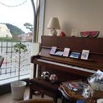 56298981 - 自動演奏ピアノ