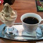 ミカドコーヒー 軽井沢プリンスショッピングプラザ店 - ミニモカ&コーヒー