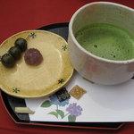 563638 - 抹茶セット(花の茶屋にて)