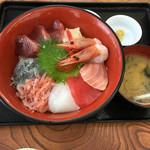 小川港魚河岸食堂 - 上海鮮丼