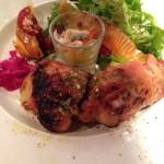 56310611 - ランチプレート                       モッツァレラとバジルを詰めた鶏もも肉のオーブン焼き