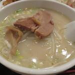 台湾料理 海鮮館 - 豚骨ラーメン