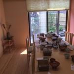 うなぎ割烹石水庭横内 - 食後の写真ですが、お部屋の広さがわかるので。仕切りを取り払えば、8人掛けのテーブル、3つ分の人数が入れます。