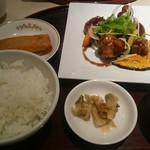 中国料理 杏花 - ランチ定食(黒酢の酢豚)