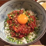 大衆魚酒場 福松 - まぐろほほ肉のユッケ丼