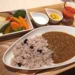 ベジフルカレー 福島駅前店 - 七種のいろどり野菜カレー