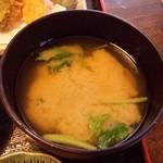 塚本鮮魚店 - アサリ味噌汁