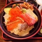 塚本鮮魚店 - 特上海鮮丼