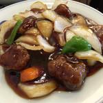 マルナカ中国麺飯食堂 - 酢豚アップ