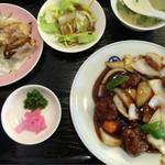 マルナカ中国麺飯食堂 - 酢豚定食