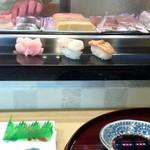 一休とんち寿司 -