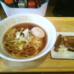 UMAMI SOUP Noodles 虹ソラ - 鶏にぼしソバ