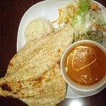 ムガルキッチン - Bコース( 7種類の中から一つ選ぶカレー、カバブ、サラダ、コルチャー(ゴマのナン)、ご飯)