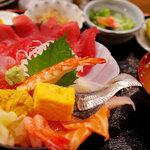 海鮮酒場 凧凧 - 海鮮丼(1800円)