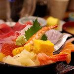 海鮮酒場 凧凧 - 海鮮丼