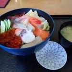 福よし - 海鮮丼(平日限定)