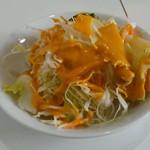 カトマンズ - ランチセットのサラダ