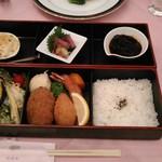 56334607 - [料理] 櫻弁当¥3,024 お料理 全景♪w