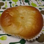 ベーカリーカフェ コトブキ - 自家製カスタードクリーム