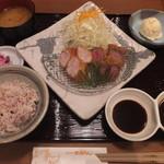 56340357 - 牛ひれかつvs豚ひれかつ定食(2016年9月)