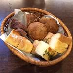 大扇食堂 - 自家製パン