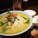 タイレストラン Smile Thailand - グリーンカレーラーメンセット